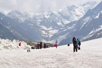 Manali Tour Operators in Delhi